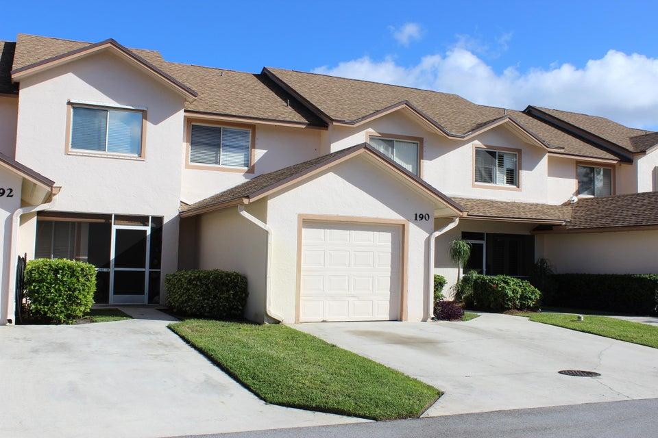 Stadthaus für Verkauf beim 190 Par Drive 190 Par Drive Royal Palm Beach, Florida 33411 Vereinigte Staaten