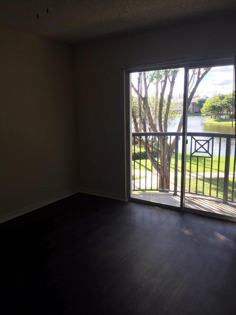 4195 Haverhill Road 308 West Palm Beach, FL 33417 photo 20