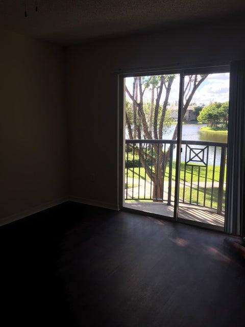4195 Haverhill Road 308 West Palm Beach, FL 33417 photo 18