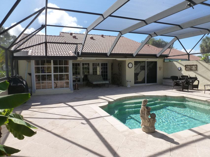 2220 Las Casitas Drive  Wellington FL 33414