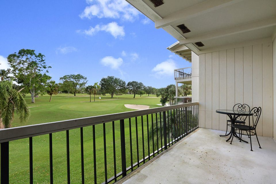 9129 SE Riverfront Terrace is listed as MLS Listing RX-10382713 with 22 pictures