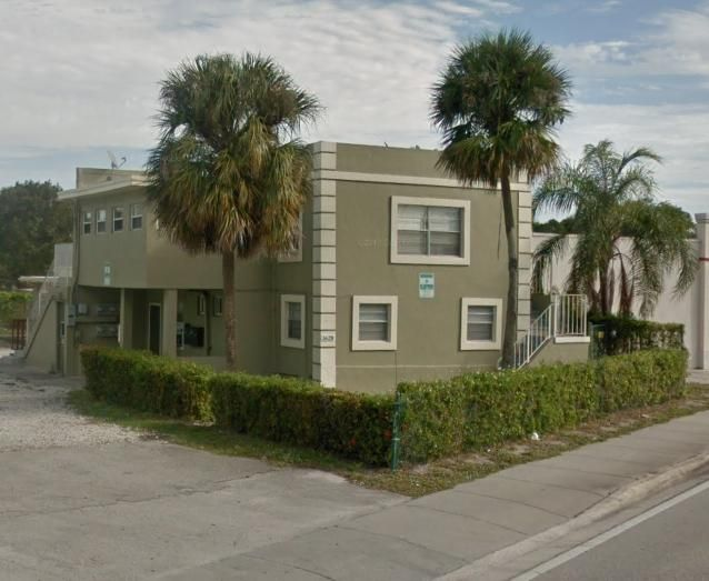 Commercial for Sale at 915 S Dixie Highway # 1 915 S Dixie Highway # 1 Lake Worth, Florida 33460 United States