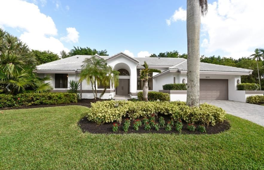 3015  Andrews Place is listed as MLS Listing RX-10382770 with 1 pictures