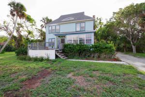 Single Family Home for Sale at 8001 S Indian River Drive 8001 S Indian River Drive Fort Pierce, Florida 34982 United States