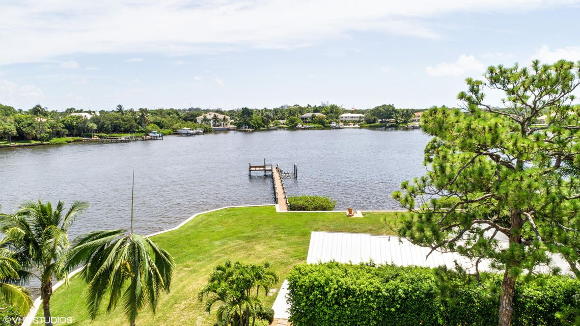 Single Family Home for Sale at 19456 Pine Tree Drive 19456 Pine Tree Drive Jupiter, Florida 33469 United States