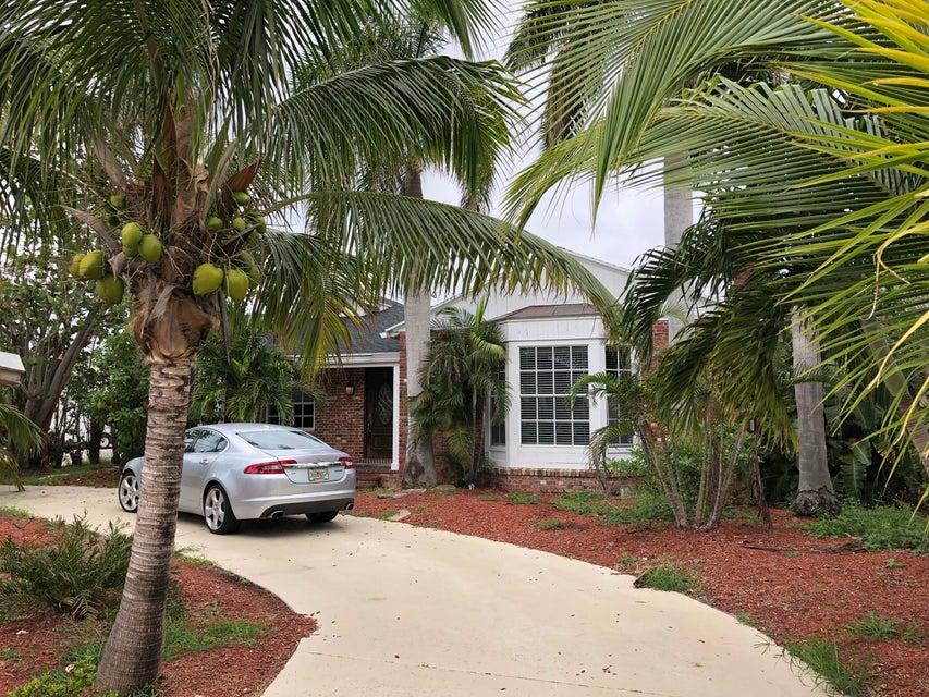 381 Potter Road  West Palm Beach, FL 33405