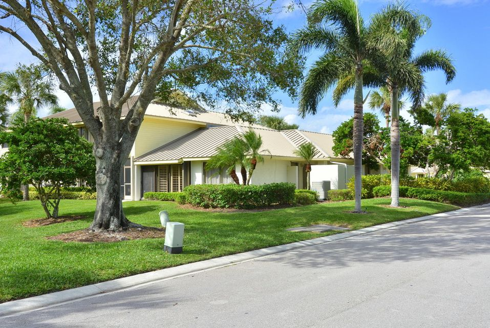 Additional photo for property listing at 5671 SE Foxcross Place 5671 SE Foxcross Place Stuart, Florida 34997 United States