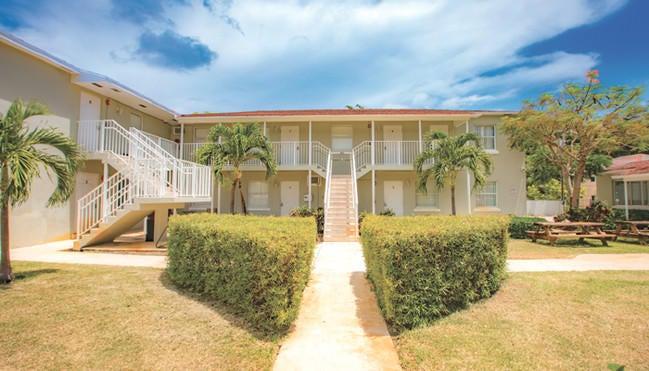 Apartamento para Locação às 217 Butler Street 217 Butler Street West Palm Beach, Florida 33407 Estados Unidos