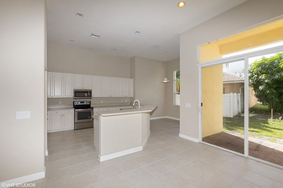 3089 Breakwater Court West Palm Beach, FL 33411 small photo 5