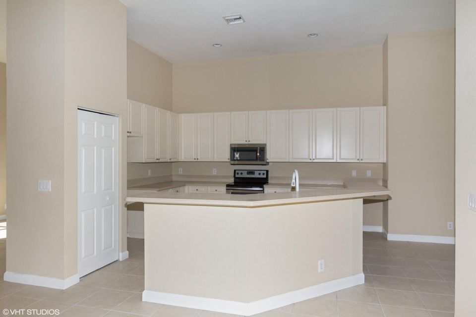 3089 Breakwater Court West Palm Beach, FL 33411 small photo 6