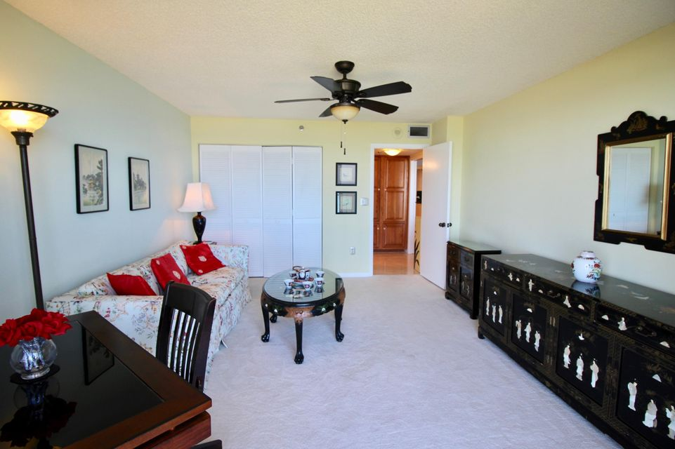 Additional photo for property listing at 5047 N A1a  # 1402 5047 N A1a  # 1402 Hutchinson Island, Florida 34949 United States