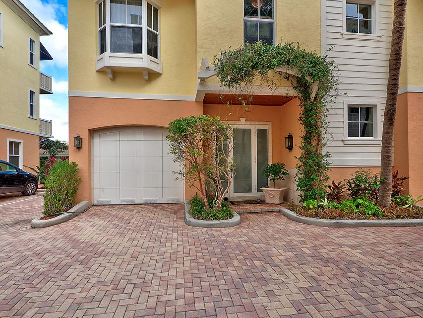 Casa unifamiliar adosada (Townhouse) por un Venta en 4332 Sea Grape Drive # 9 4332 Sea Grape Drive # 9 Lauderdale By The Sea, Florida 33308 Estados Unidos