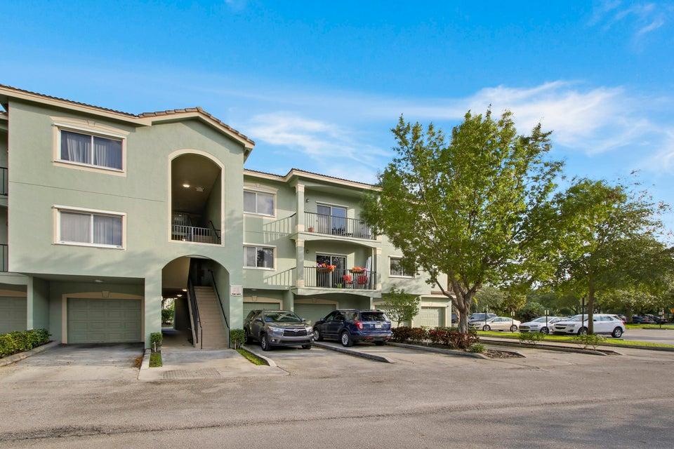 360 Crestwood Circle 306  Royal Palm Beach FL 33411