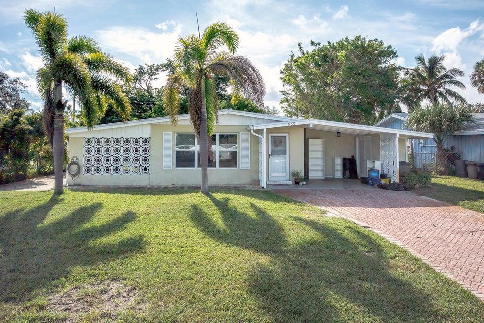 539 Iris Avenue , Palm Beach Gardens FL 33410 is listed for sale as MLS Listing RX-10383508 25 photos