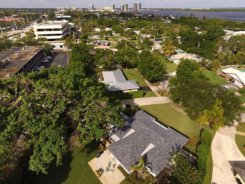 VILLAGE OF NORTH PALM BEACH REALTY
