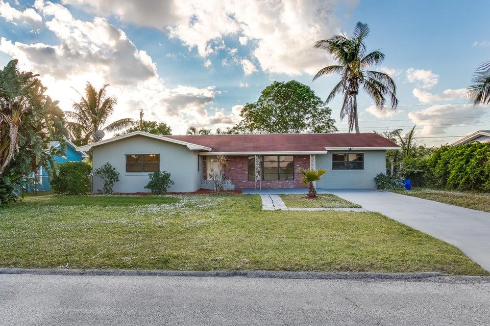 独户住宅 为 销售 在 3680 NE Linda Drive 3680 NE Linda Drive Jensen Beach, 佛罗里达州 34957 美国