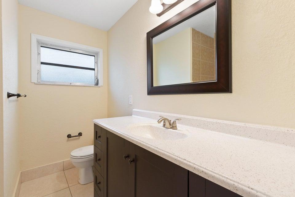 Additional photo for property listing at 3680 NE Linda Drive 3680 NE Linda Drive Jensen Beach, Florida 34957 United States