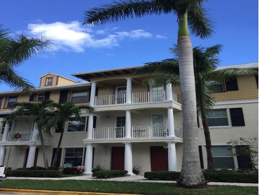 Townhouse for Sale at 4159 Main Street 4159 Main Street Jupiter, Florida 33458 United States