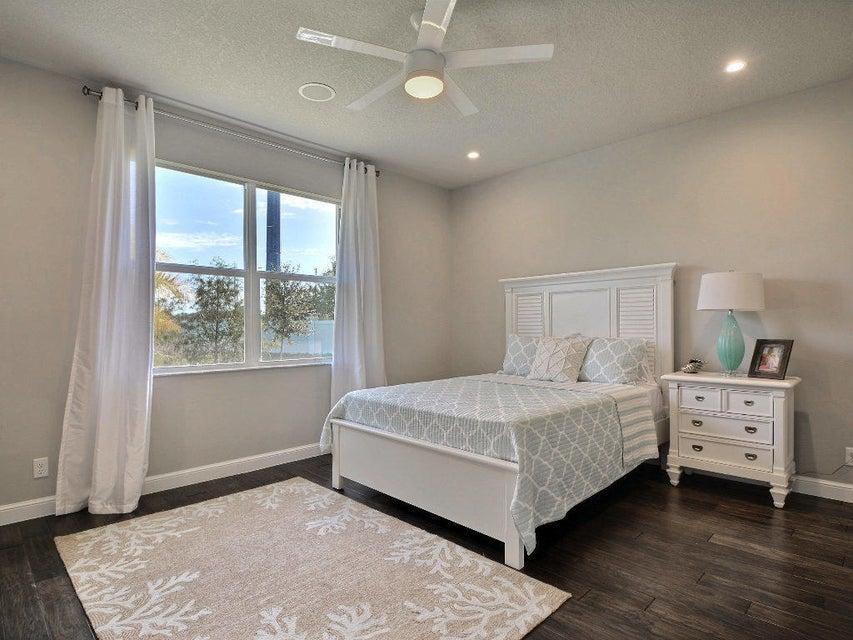 Additional photo for property listing at 4560 21st Street 4560 21st Street Vero Beach, Florida 32966 États-Unis