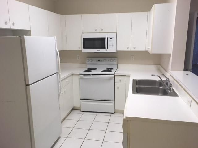 Additional photo for property listing at 5620 NW 61st Street 5620 NW 61st Street Coconut Creek, Florida 33073 United States