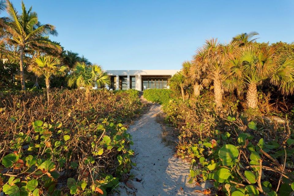 Additional photo for property listing at 1085 Hillsboro Mile 1085 Hillsboro Mile Hillsboro Beach, Florida 33062 United States