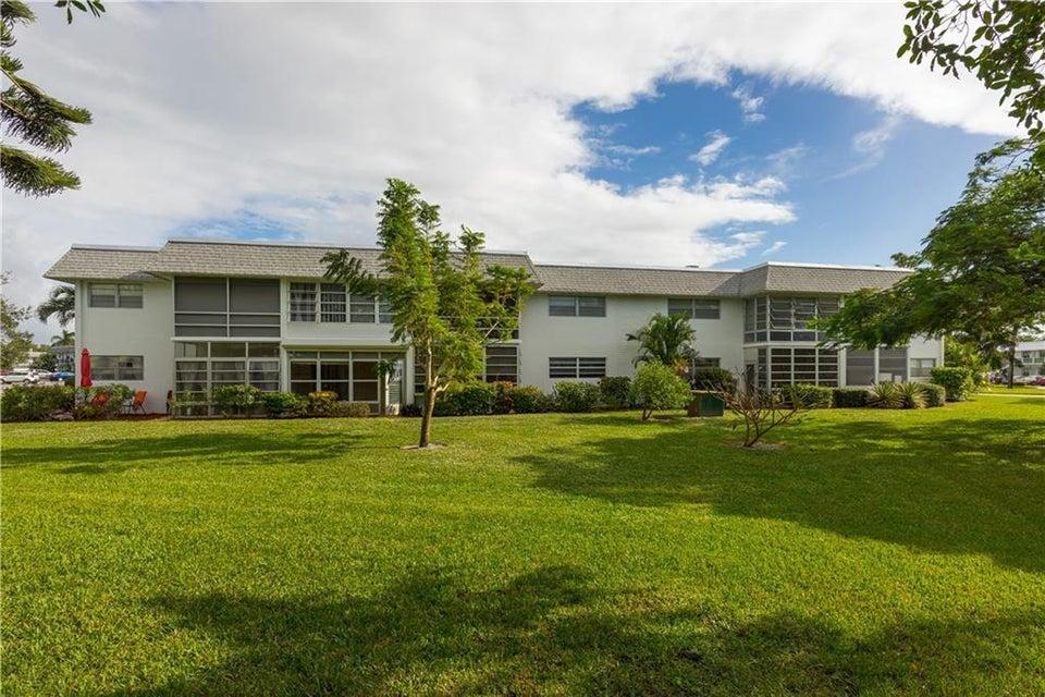 Condominium for Sale at 2929 SE Ocean Boulevard # 114-2 Stuart, Florida 34996 United States