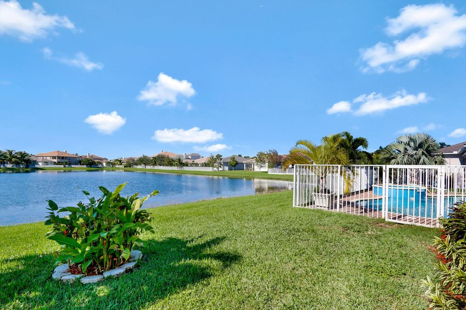 Photo of  Royal Palm Beach, FL 33411 MLS RX-10383247