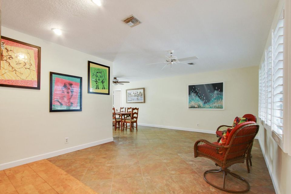 135 Granada Street Royal Palm Beach, FL 33411 small photo 3