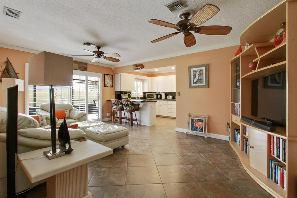 135 Granada Street Royal Palm Beach, FL 33411 photo 7