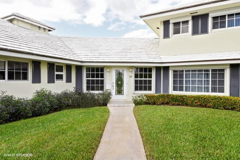Villa for Sale at 1011 Langer Way 1011 Langer Way Delray Beach, Florida 33483 United States