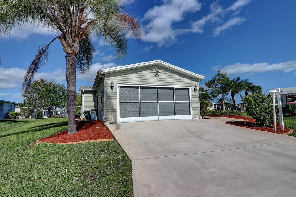 2814 Three Wood Drive , Port Saint Lucie FL 34952 is listed for sale as MLS Listing RX-10384174 18 photos