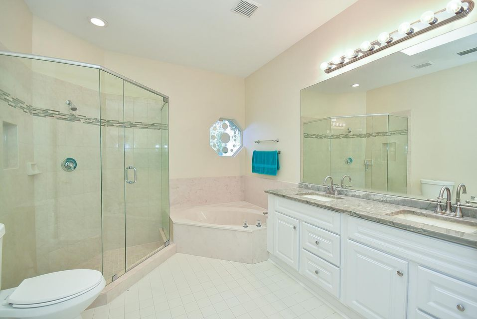 Additional photo for property listing at 1042 Fairfax Circle W 1042 Fairfax Circle W Boynton Beach, Florida 33436 États-Unis