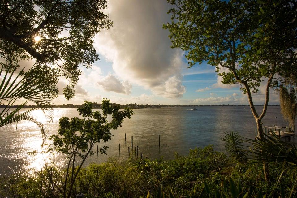 Additional photo for property listing at 16 Mandalay Road 16 Mandalay Road Stuart, Florida 34996 Estados Unidos