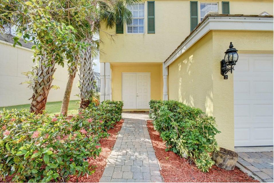105 Kensington Way Royal Palm Beach, FL 33414 photo 4