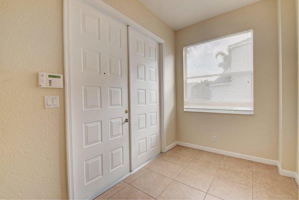 105 Kensington Way Royal Palm Beach, FL 33414 photo 5