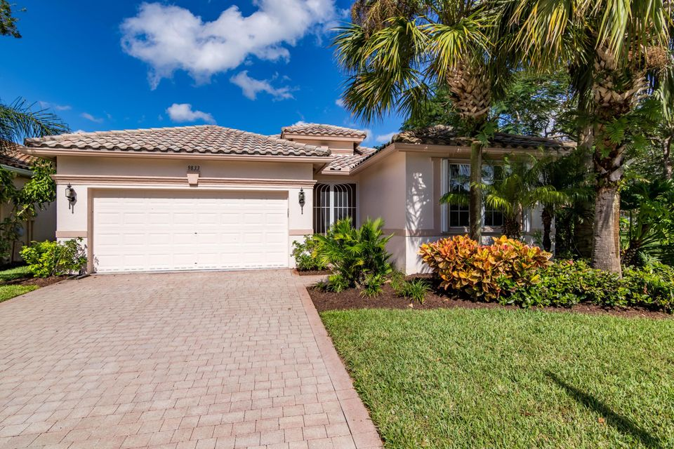 9833 Torino Drive  Lake Worth, FL 33467