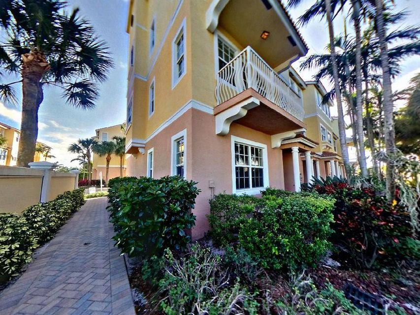 Townhouse for Sale at 101 Harbors Way 101 Harbors Way Boynton Beach, Florida 33435 United States