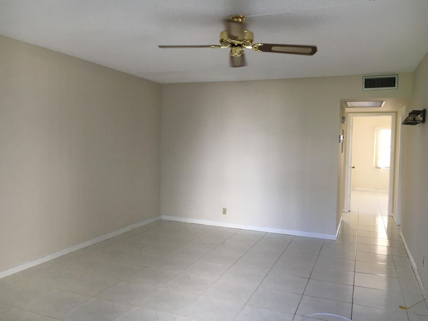 Additional photo for property listing at 89 Suffolk C 89 Suffolk C Boca Raton, Florida 33434 United States