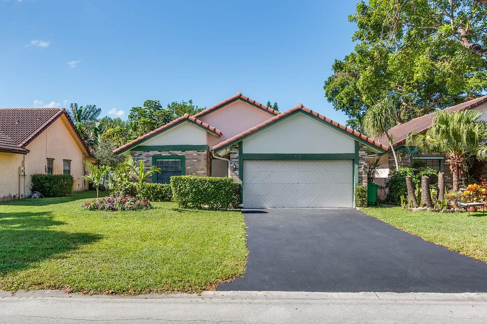 Home for sale in CORAL SPRINGS UNIVERSITY DR SUB Coral Springs Florida