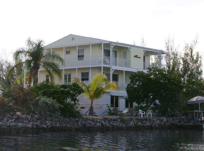 Casa Unifamiliar por un Venta en 219 Bruce Ct. Court # A-B 219 Bruce Ct. Court # A-B Marathon, Florida 33050 Estados Unidos