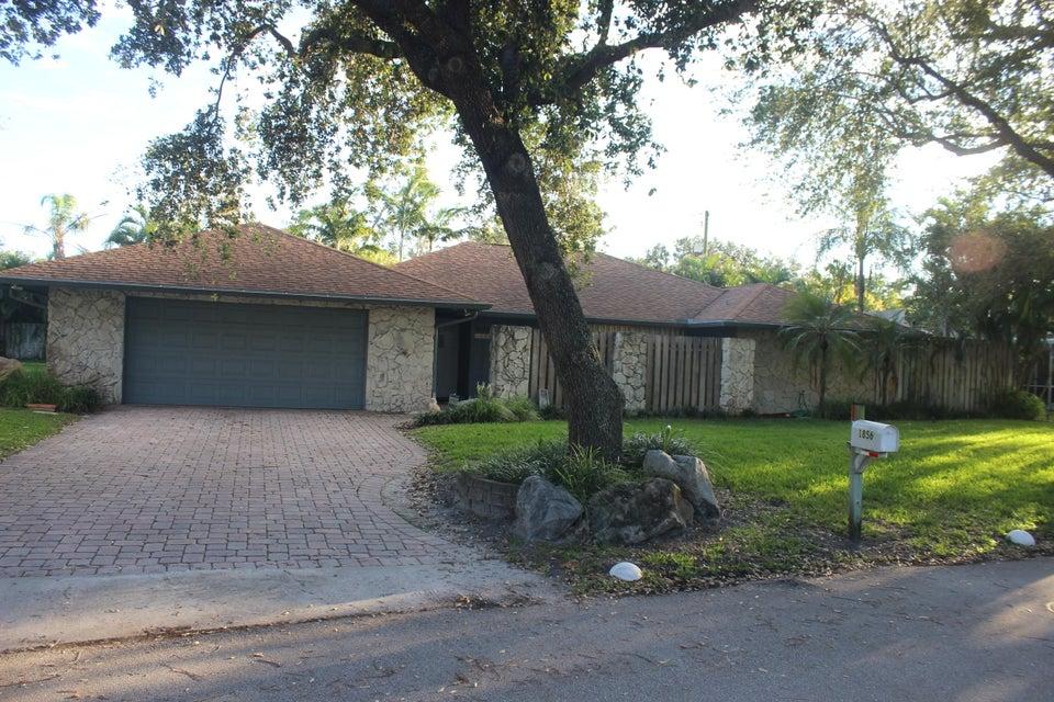 1856 Emilio Ln, Palm Springs, FL 33406