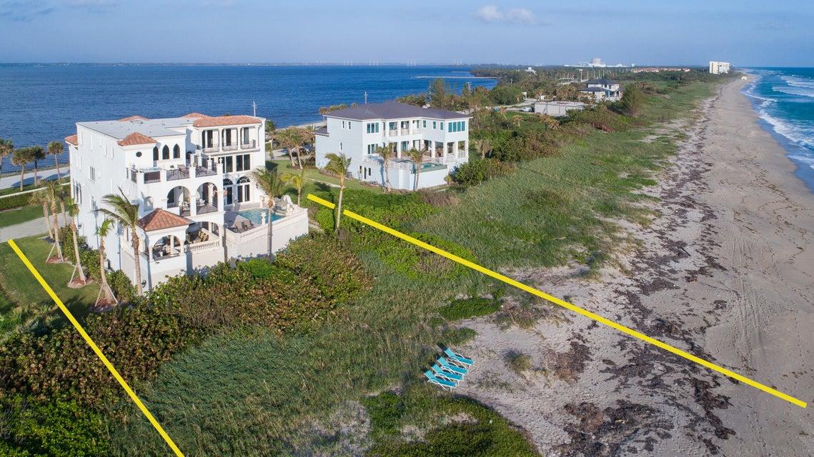 Casa para uma família para Venda às 8004 S Ocean Drive 8004 S Ocean Drive Jensen Beach, Florida 34957 Estados Unidos