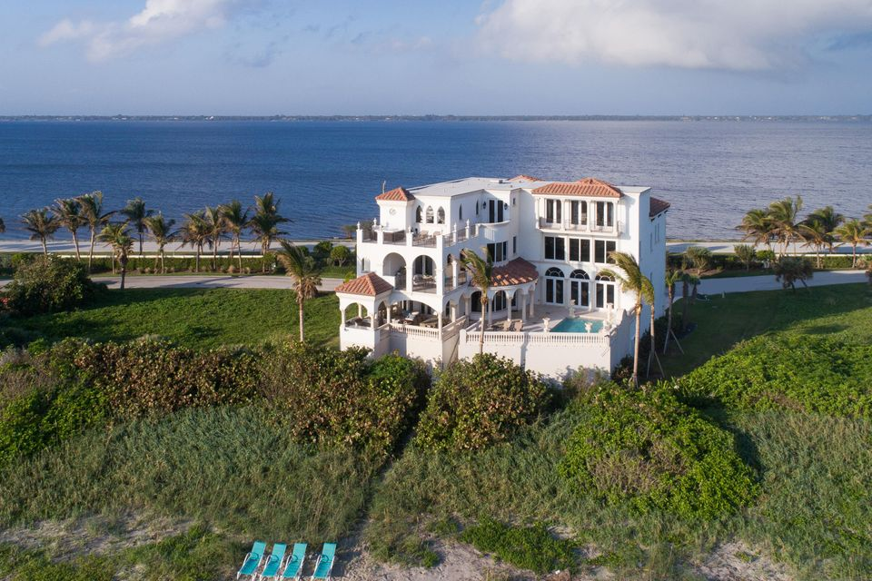 Additional photo for property listing at 8004 S Ocean Drive 8004 S Ocean Drive Jensen Beach, Florida 34957 United States