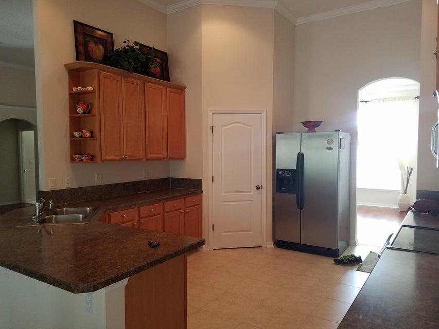 Частный односемейный дом для того Продажа на 10232 Lancashire Dr 10232 Lancashire Dr Jacksonville, Флорида 32219 Соединенные Штаты