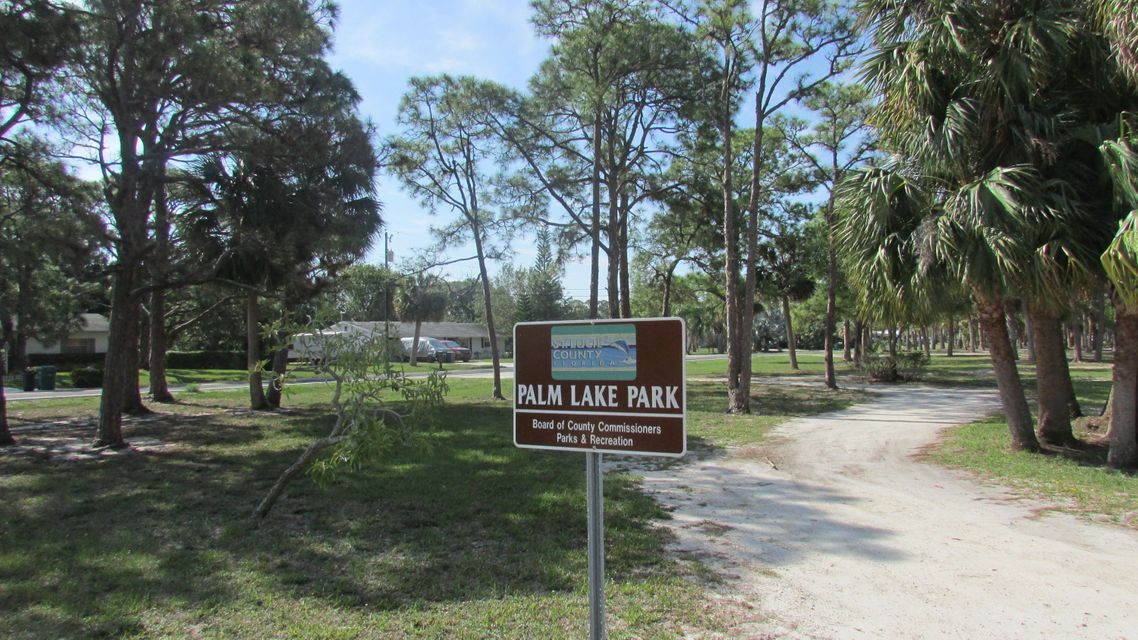 Additional photo for property listing at Seagrape Dr. Lot 5 Drive Seagrape Dr. Lot 5 Drive Fort Pierce, Florida 34982 United States