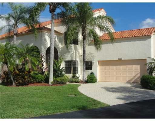 2600 La Cristal Circle , Palm Beach Gardens FL 33410 is listed for sale as MLS Listing RX-10385105 8 photos