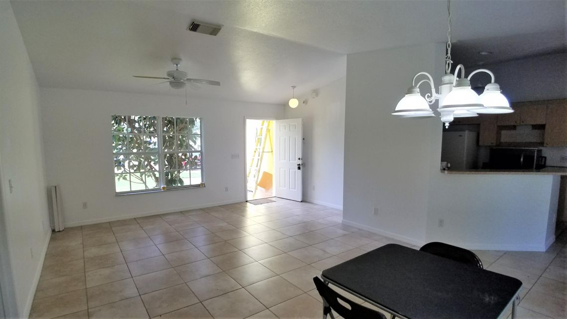 Additional photo for property listing at 3201 SW Collings Drive 3201 SW Collings Drive Port St. Lucie, Florida 34953 Vereinigte Staaten