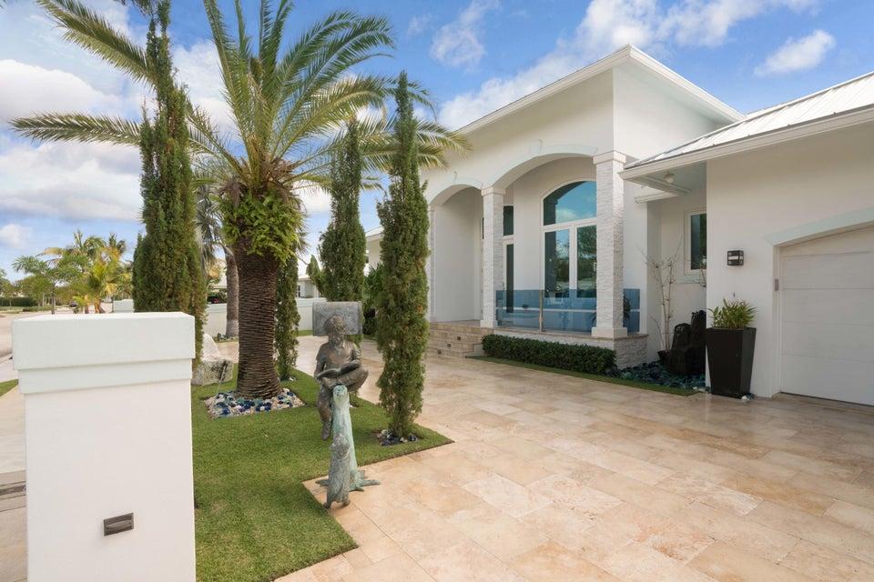 Single Family Home for Sale at 206 Arlington Road 206 Arlington Road West Palm Beach, Florida 33405 United States