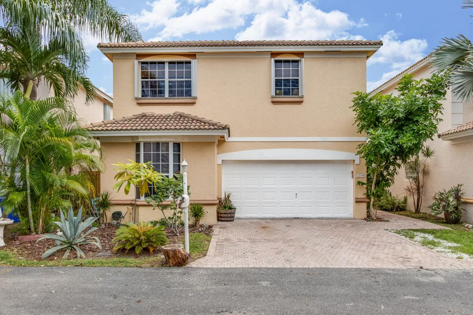 Home for sale in SAN MARINO VILLAGE Hollywood Florida