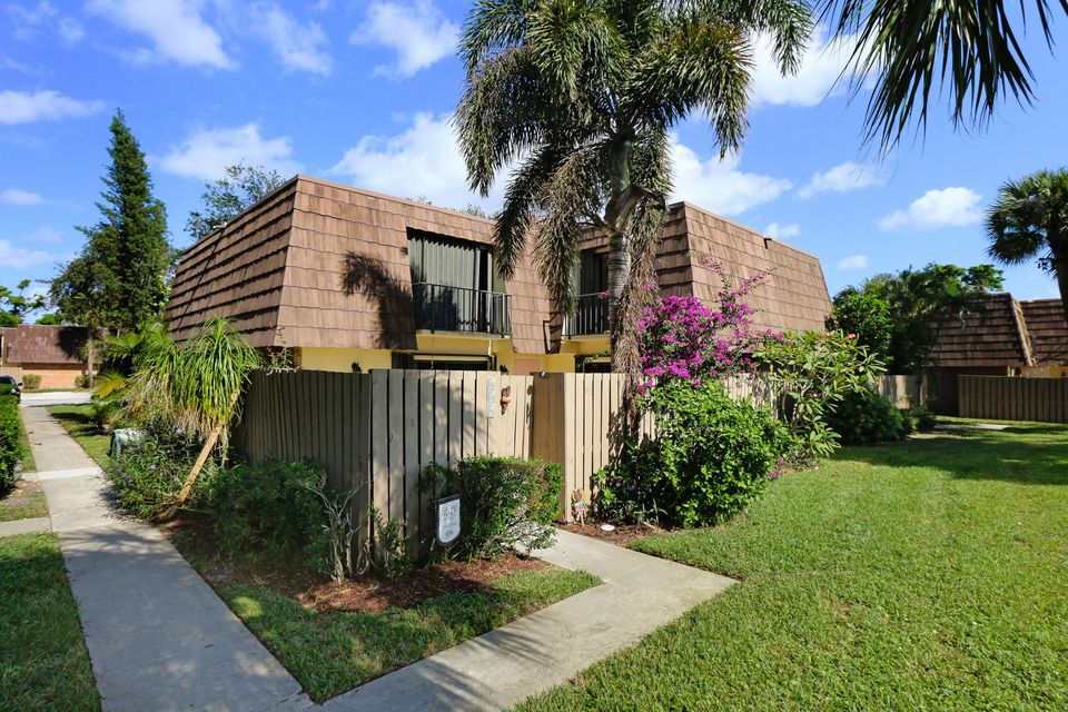 808 8th Court , Palm Beach Gardens FL 33410 is listed for sale as MLS Listing RX-10385401 20 photos